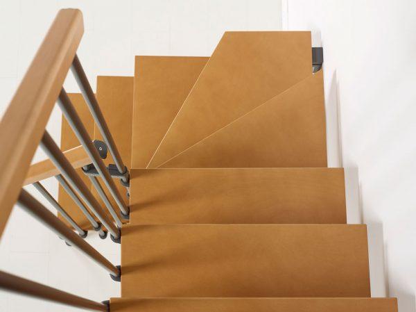 Nice4 Grigio Ghisa - helytakarékos lépcső havanna barna lépcsőfokai