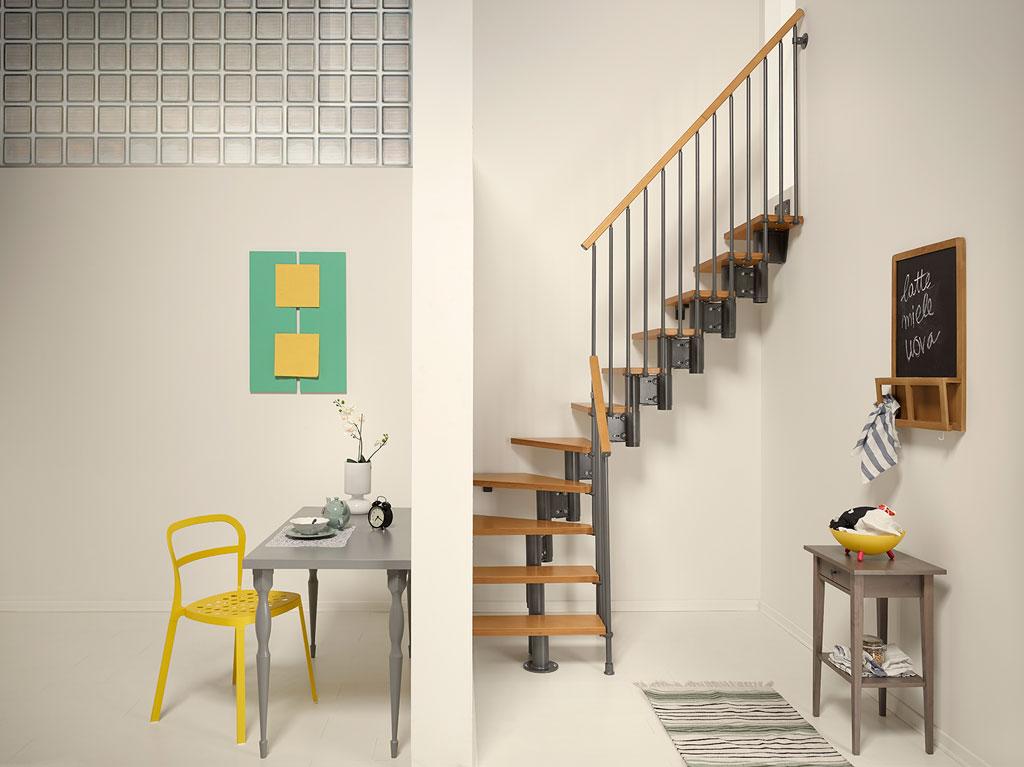 Nice4 Grigio Ghisa - helytakarékos lépcső lakásba beépítve